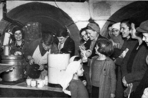 Wartime occupants of the Winchelsea tunnels.