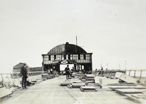 Dismantling Dover Promenade Pier - the Pier and Concert Building